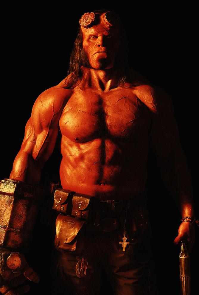 Visual do novo Hellboy divulgado