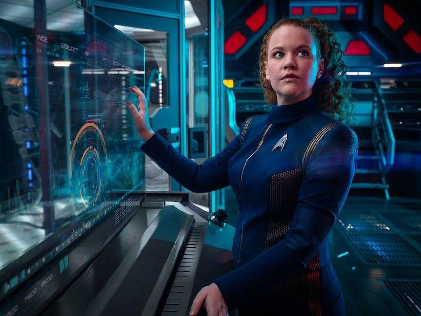 star trek discovery s2 photos 01 1 - A CBS lançou dez novas fotos da 2ª Temporada de Star Trek: Discovery.
