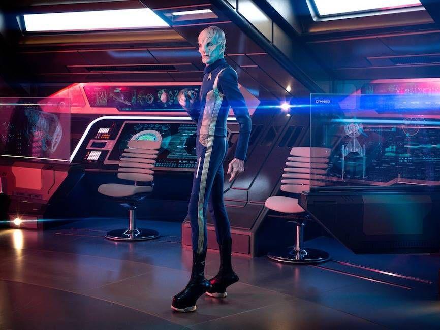 star trek discovery s2 photos 02 1 - A CBS lançou dez novas fotos da 2ª Temporada de Star Trek: Discovery.