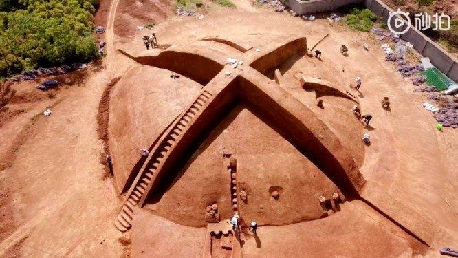 tumba na china e xbox - Tumba chinesa desenterrada se assemelha ao logotipo do Xbox