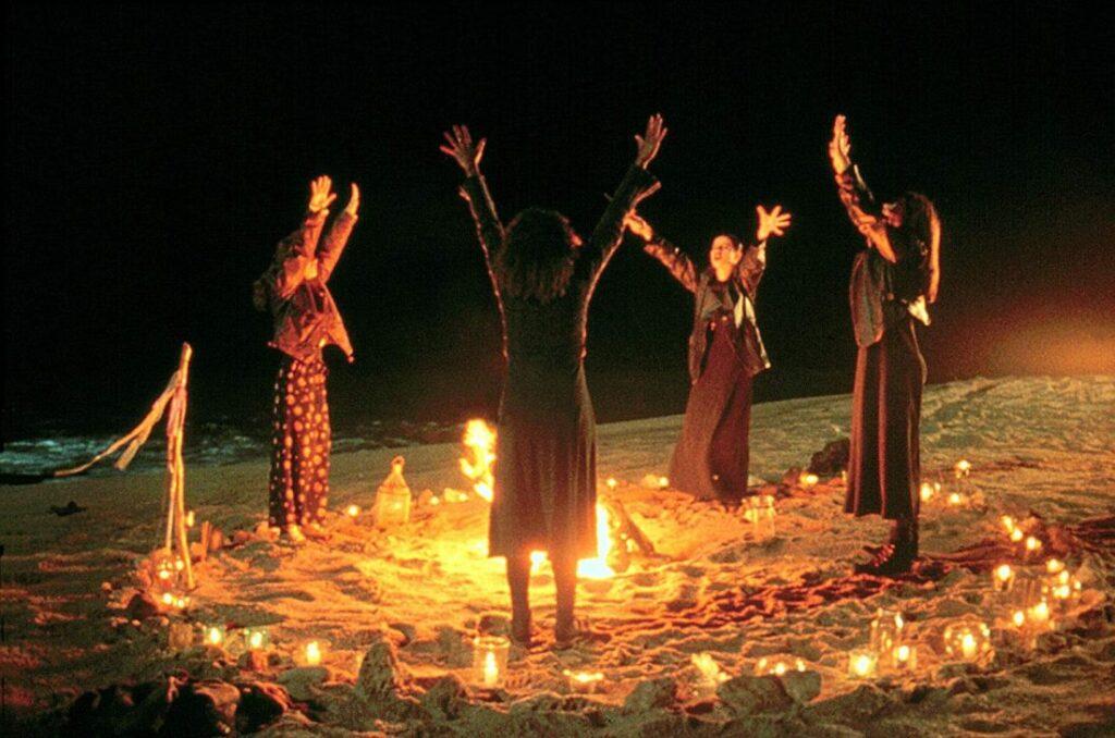 The Craft - Jovens Bruxas praticando Magia