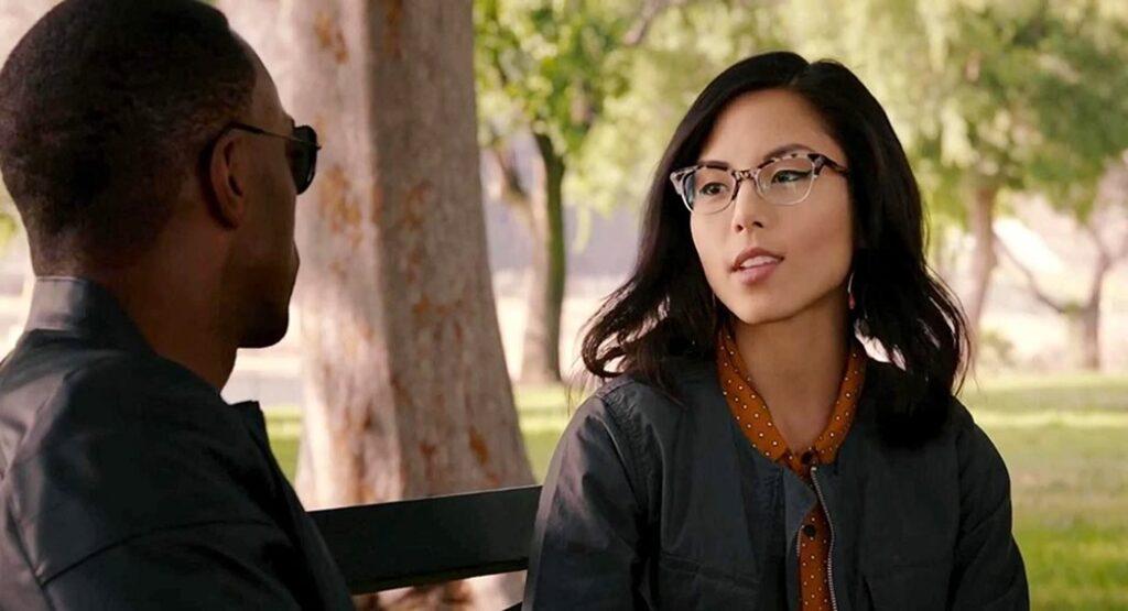 Anna Akana e o Falcão no filme do Homem Formiga
