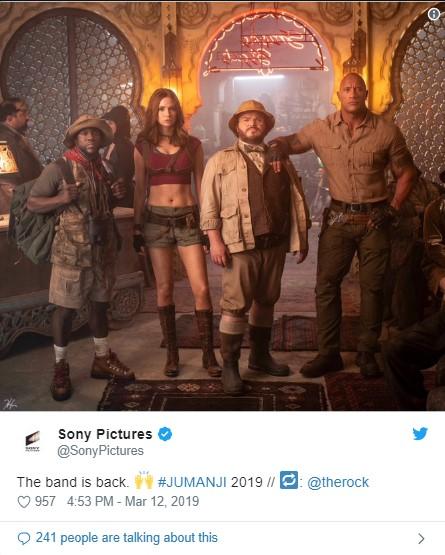 A Sony Pictures divulgou, em seu Twitter,  uma foto oficial do elenco de Jumanji 3.
