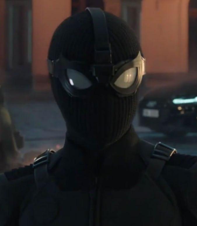 Homem-Aranha: Longe de Casa - Peter Parker uniforme negro tático