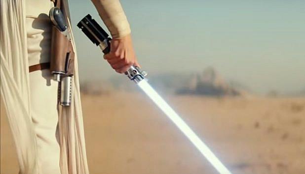 J.J. Abrams explica o título de STAR WARS: A ASCENSÃO SKYWALKER