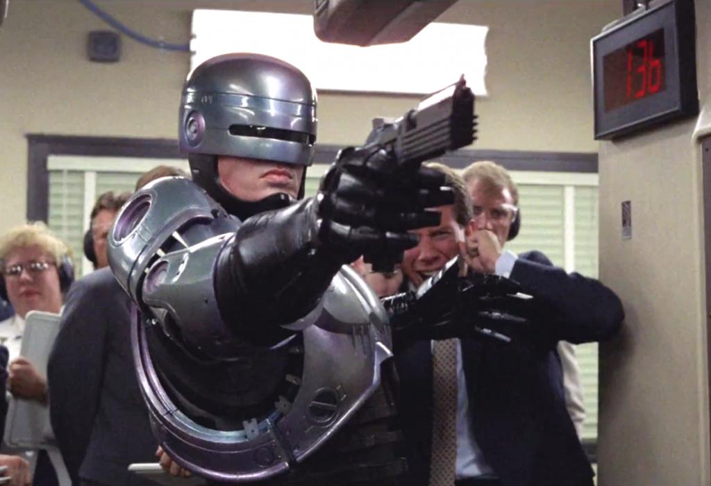 ROBOCOP   Diretor Neill Blomkamp confirma que o filme trará a armadura original