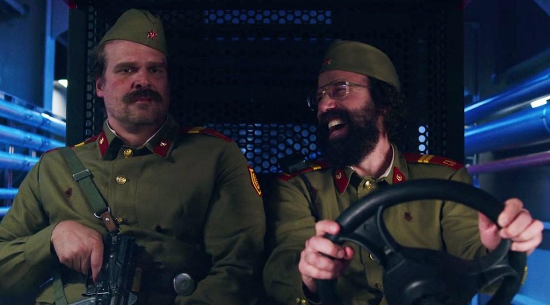 Stranger Things 3 Hopper base Russos - Stranger Things 3 - Testes seus conhecimentos
