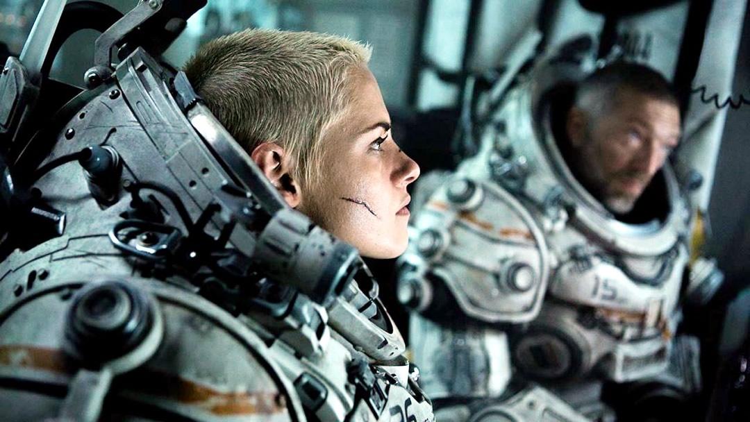 Ameaça Profunda - Suspense submarino com Kristen Stewart