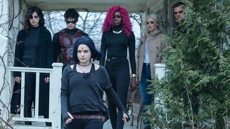 Titans | Trailer da Segunda temporada mostrando os personagens em ação