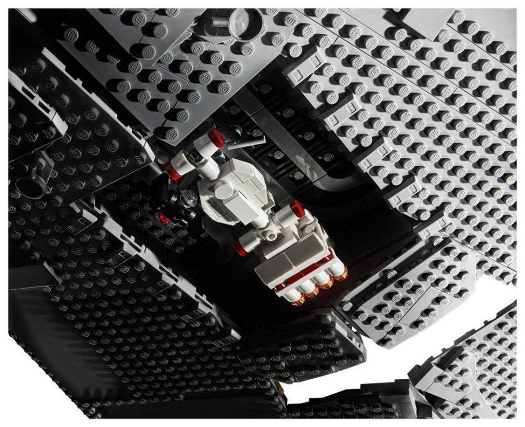 Lego Star Wars Star Destroyer Imperial 5 1024x833 - Star Wars | Star Destroyer Imperial feito com 4.784 peças Lego