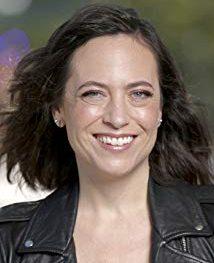 Lauren Schmidt Hissrich The Witcher e1573738684342 - THE WITCHER   Netflix anuncia uma segunda temporada da série