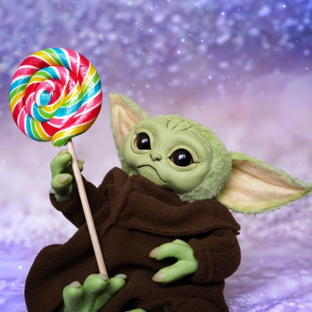 baby yoda pelucia the mandalorian 4 1024x1024 - Baby Yoda | Hasbro vai comercializar personagem de The Mandalorian