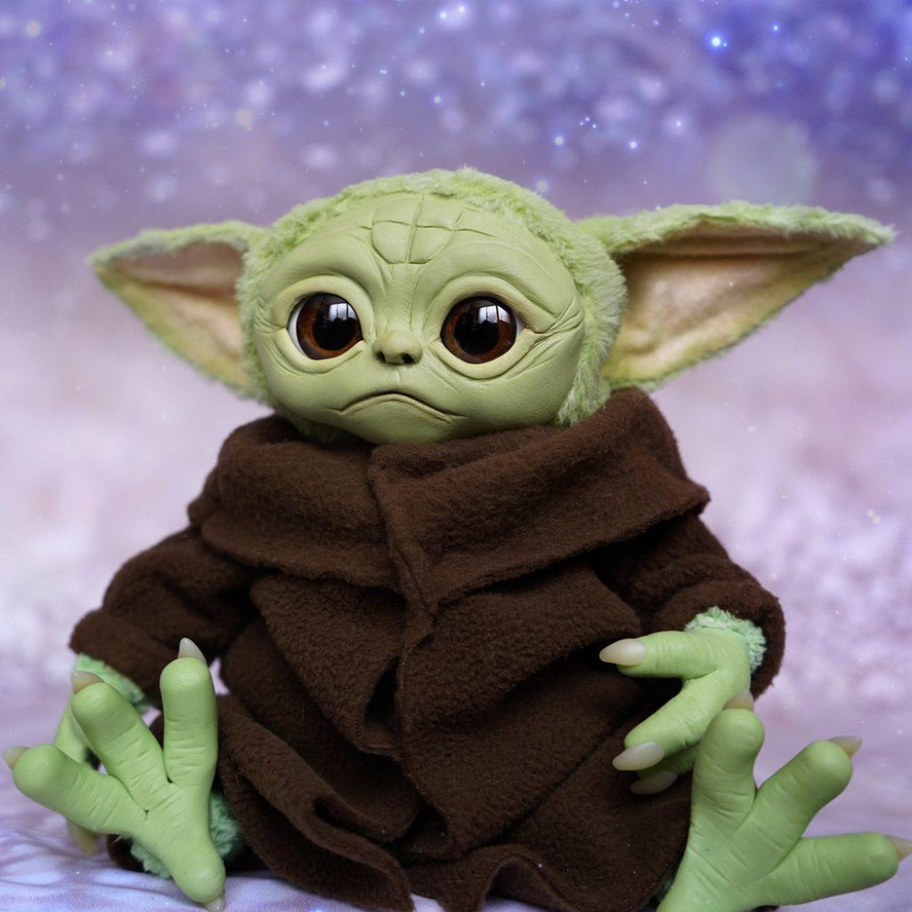 baby yoda pelucia the mandalorian 5 1024x1024 - Baby Yoda | Hasbro vai comercializar personagem de The Mandalorian