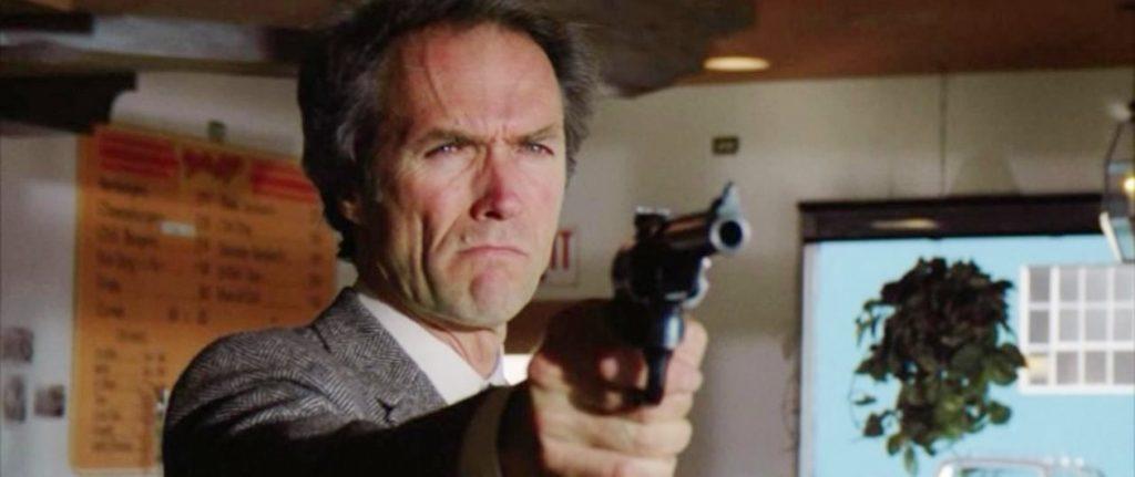 Hugo Weaving teria se inspirado no personagem Dirty Harry, de Clint Eastwood, para o Agente Smith
