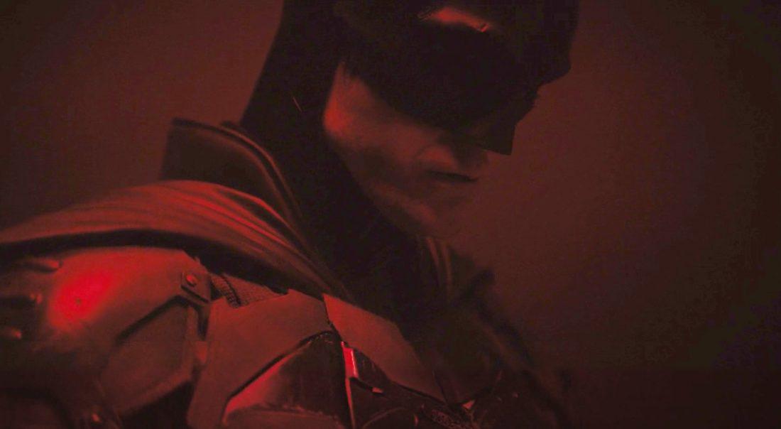 The Batman - Robert Pattinson com o uniforme