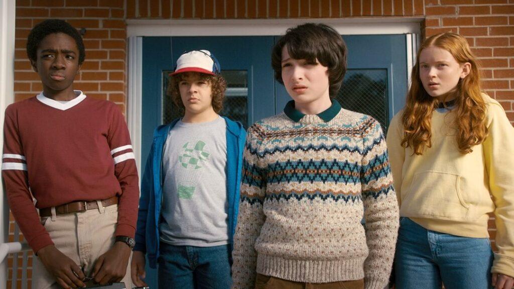 Stranger Things 4 | Atraso da produção pode levar a  série para os anos 90
