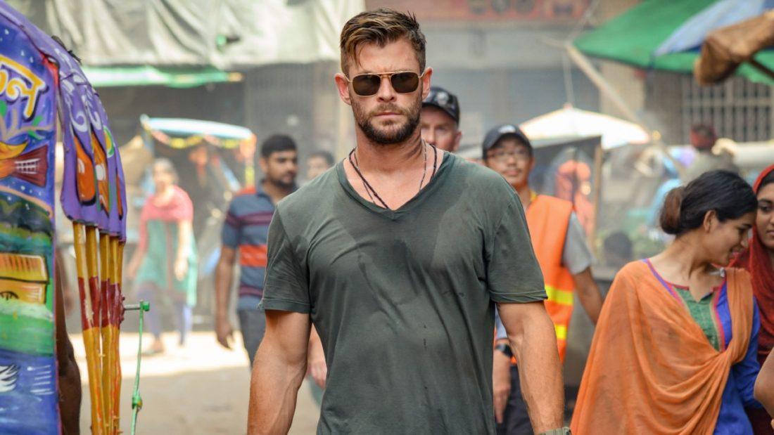 Chris Hemsworth em ação no trailer de Regate filme da Netflix