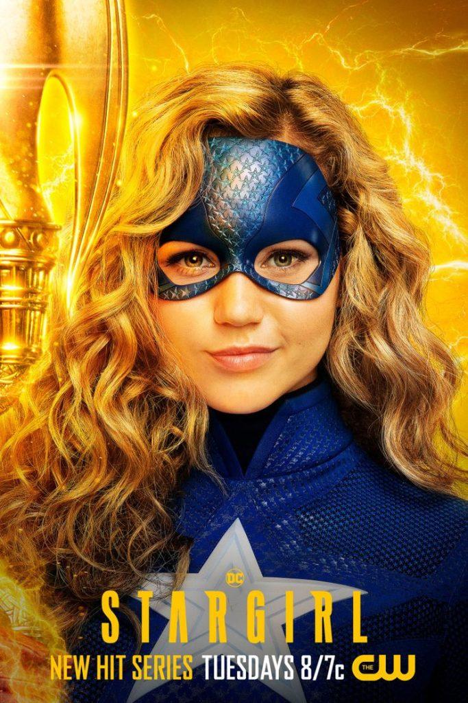 Stargirl - CW divulga cartazes individuais dos personagens