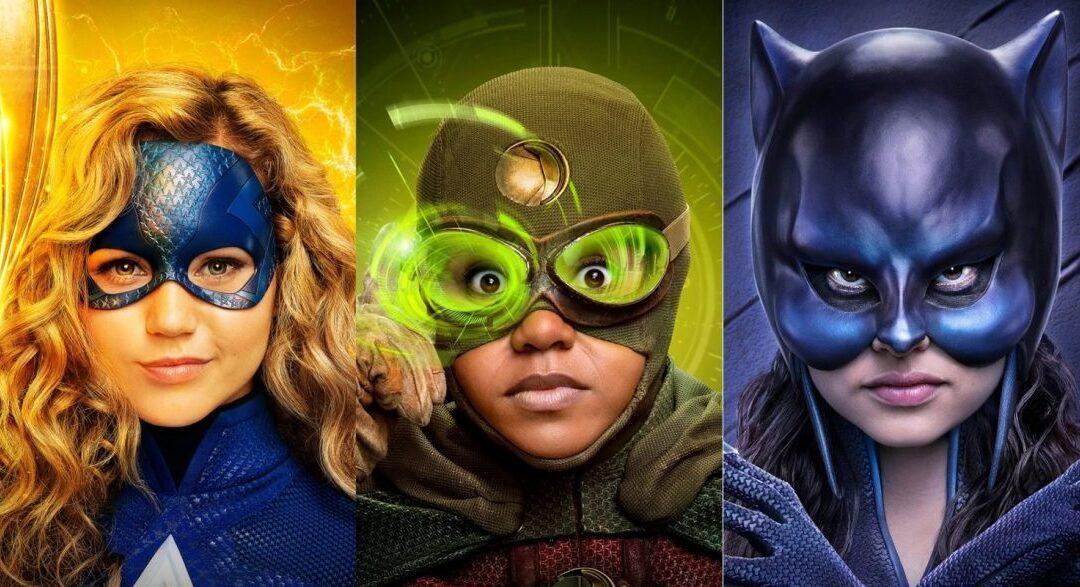 Stargirl | CW divulga cartazes individuais dos personagens