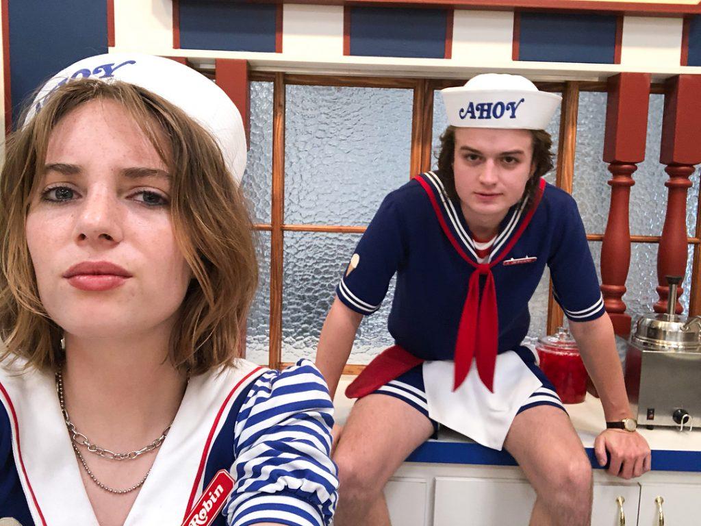 Joe Keery disse que seu personagem não vai mais usar a roupa icônica Scoops Ahoy