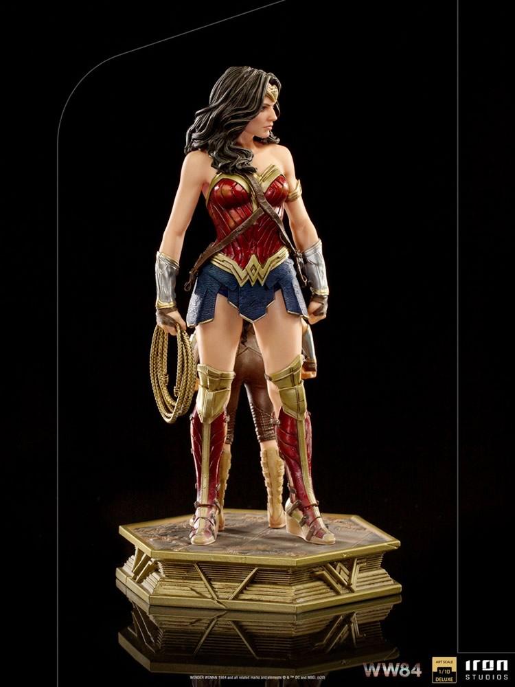 ww84 versao mulher maravilha 1984 iron studios 4 - A evolução da Wonder Woman by Iron Studios