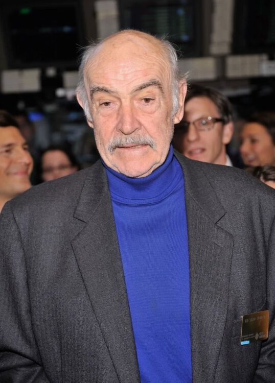 Sean Connery, conhecido por interpretar James Bond, morre aos 90 anos