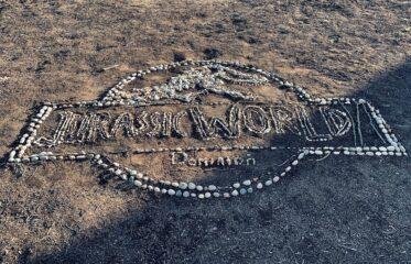 Jurassic World Dominion | Colin Trevorrow compartilha foto comemorando o fim das gravações