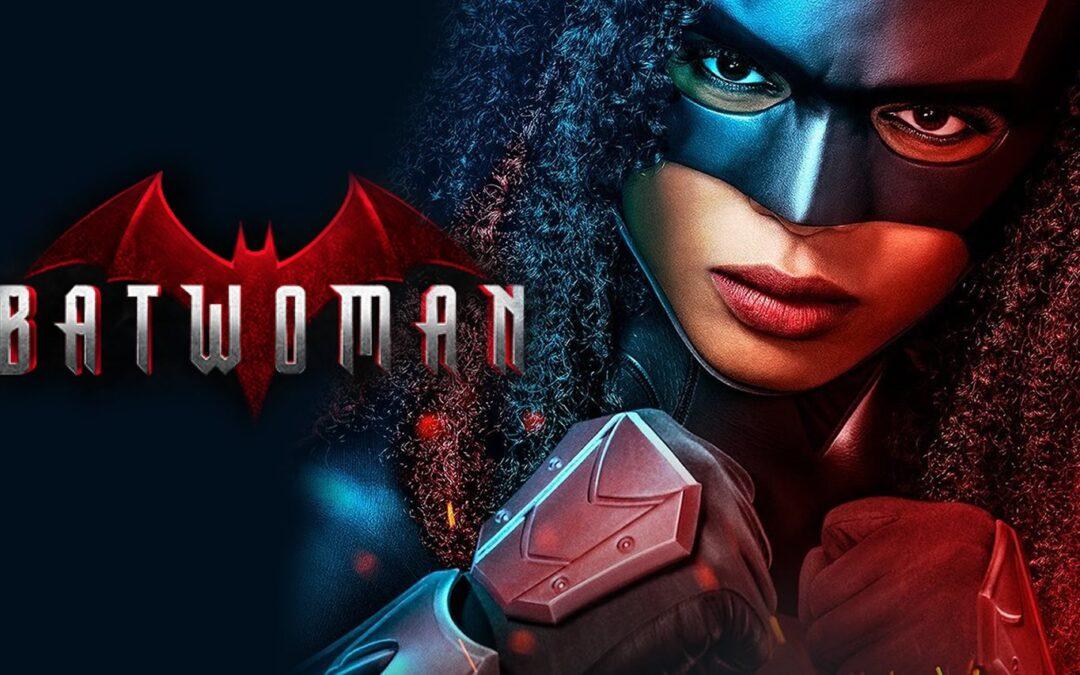 Batwoman segunda temporada tem Javicia Leslie em destaque no cartaz como Ryan Wilder