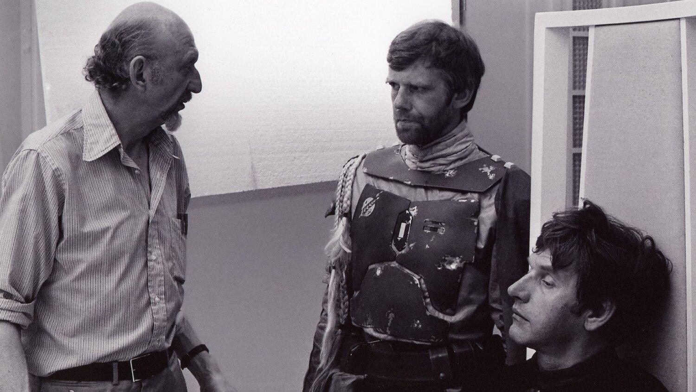 Star Wars: O Império Contra-Ataca - O diretor Irvin Kershner, Jeremy Bulloch como Boba Fett e David Prowse como Darth Vader (falecido aos 85 anos em 29 de novembro de 2020)