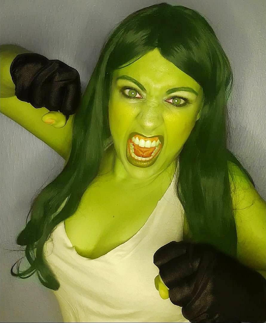 cosplayer she hulk cinerockgirl - Gabriella Ponte - Cosplayer CineRockGirl