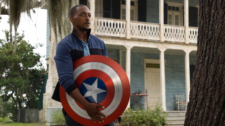 Capitão América 4 | Marvel Studios está desenvolvimento filme com roteiro do showrunner de Falcão e o Soldado Invernal
