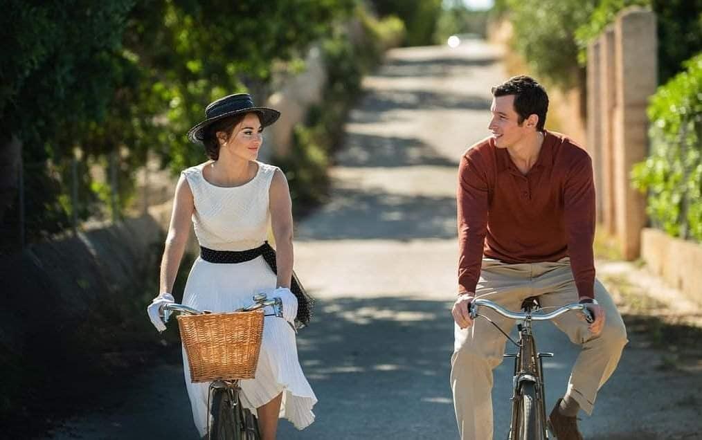 A Última Carta de Amor na Netflix com Felicity Jones e Shailene Woodley inspirado no romance de Jojo Moyes