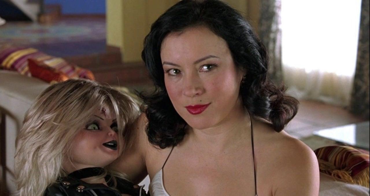 Jennifer Tilly também está reprisando seu papel como Tiffany Valentine em Chucky