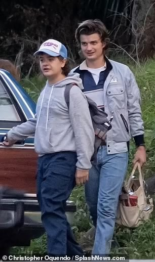 Novas fotos dos bastidores de Stranger Things 4 são divulgadas