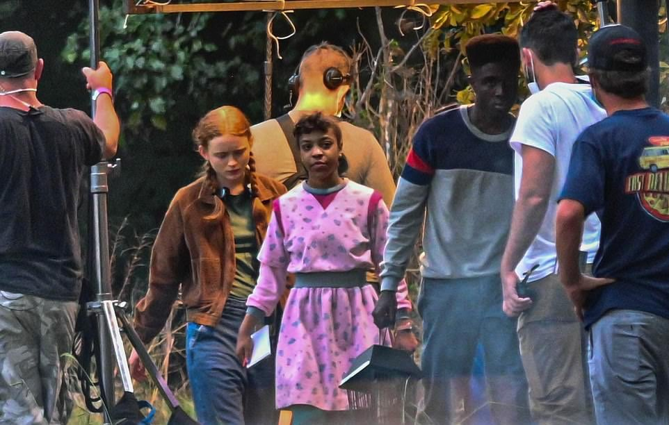 Stranger Things 4 | Divulgadas novas fotos de bastidores da quarta temporada