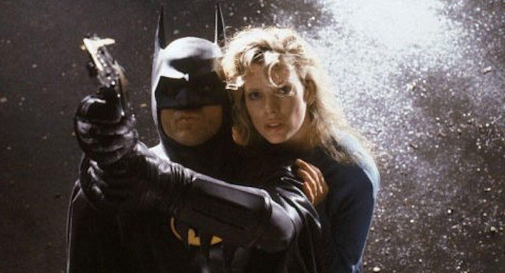 michael keaton batman e kim basinger vicki vale 1024x554 - The Flash | Michael Keaton fala sobre interpretar o Batman novamente após três décadas