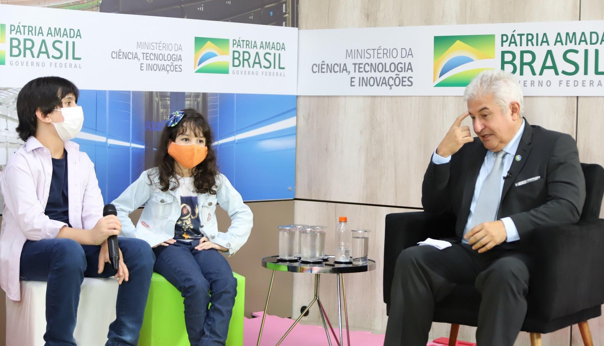 Já entrevistou grandes nomes como o Sr. Ministro Marcos César Pontes, a astrofísica Duília de Mello e muitos outros