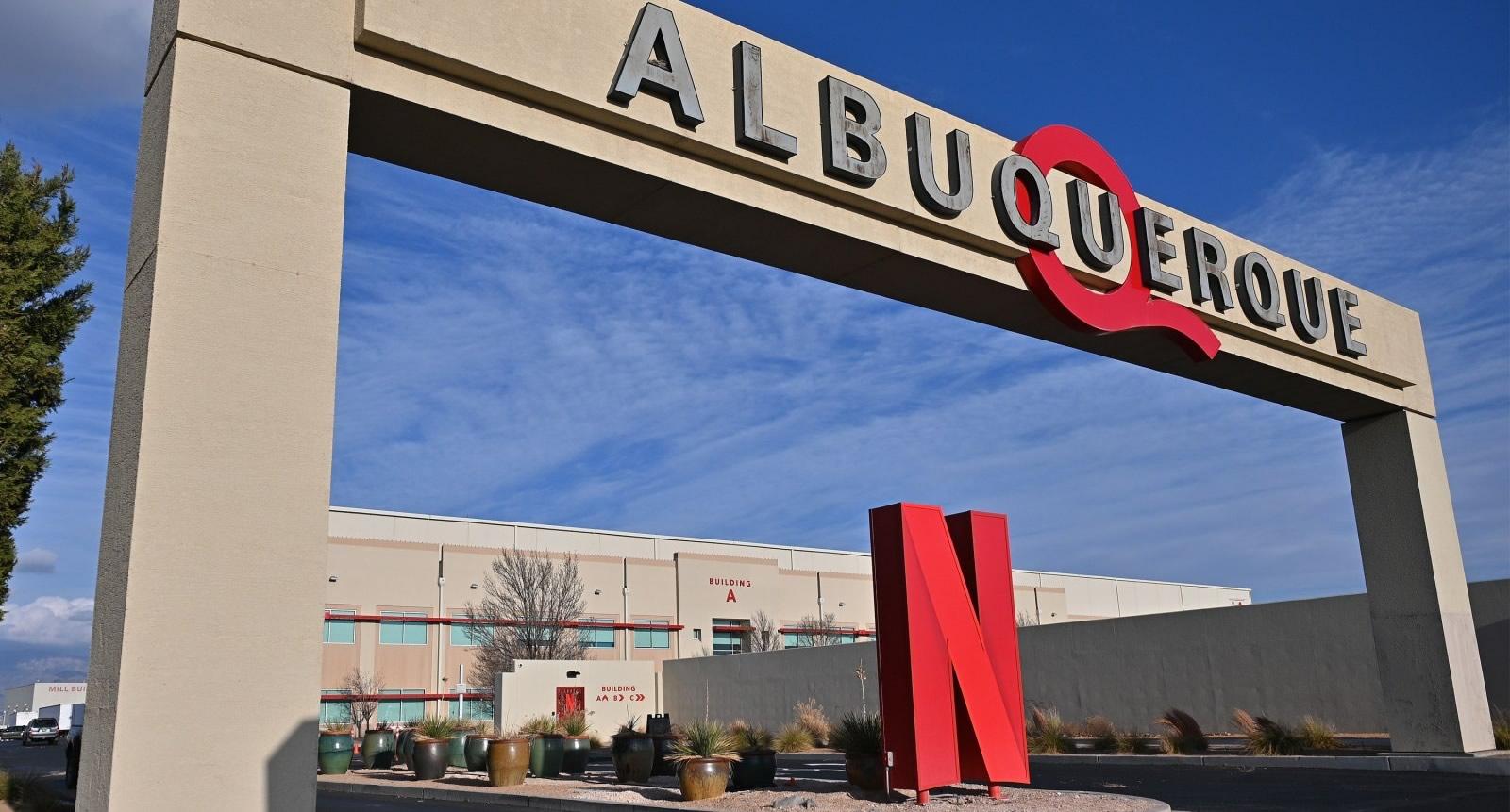 Stranger Things 4 | Incêndio em estúdios da Netflix em Albuquerque, Novo México, onde é filmado a série