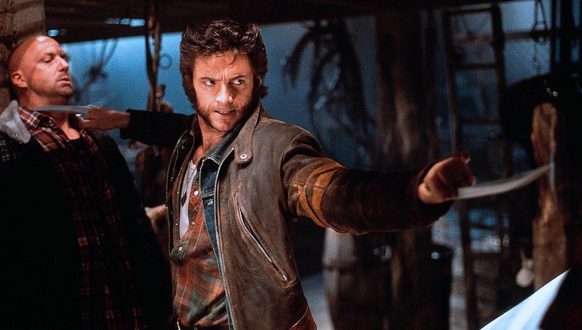 Hugh Jackman como Wolverine em X-Men o filme de 2000 dirigido por Bryan Singer - Cena do Bar