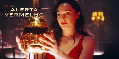 Alerta Vermelho com Dwayne Johnson, Ryan Reynolds e Gal Gadot trailer divulgado no evento Tudum da Netflix
