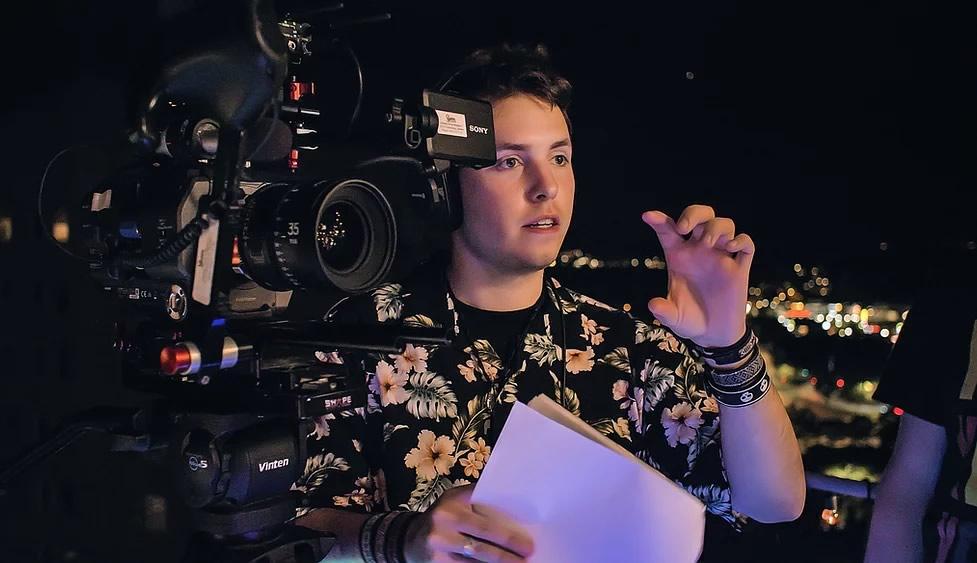 "Cineasta Jonathan Wilhelmsson - Diretor do curta-metragem ""Untitled Earth Sim 64"""