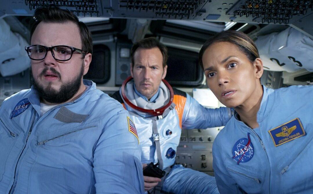 Moonfall    Filme catástrofe espacial de Roland Emmerich com Halle Berry e Patrick Wilson