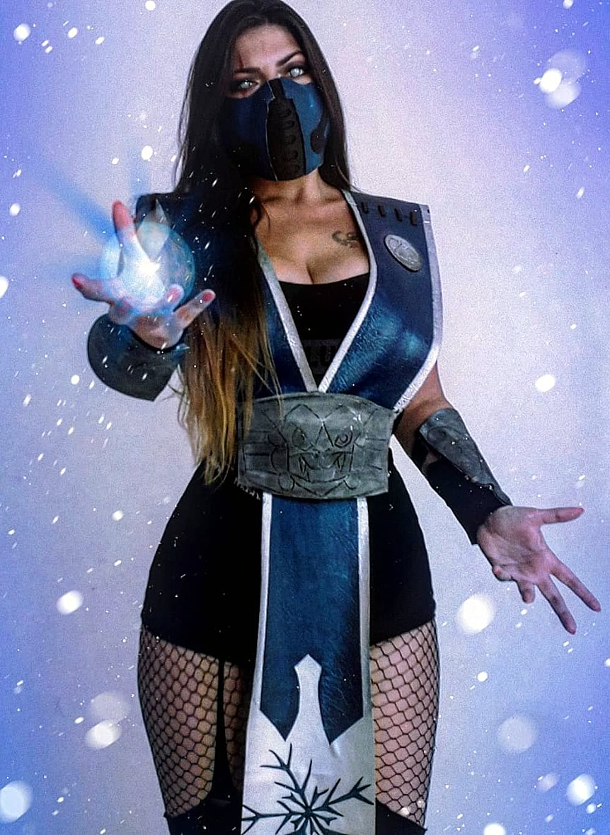 Nathália Corrêa - Cosplay Mortal Kombat - Sub Zero